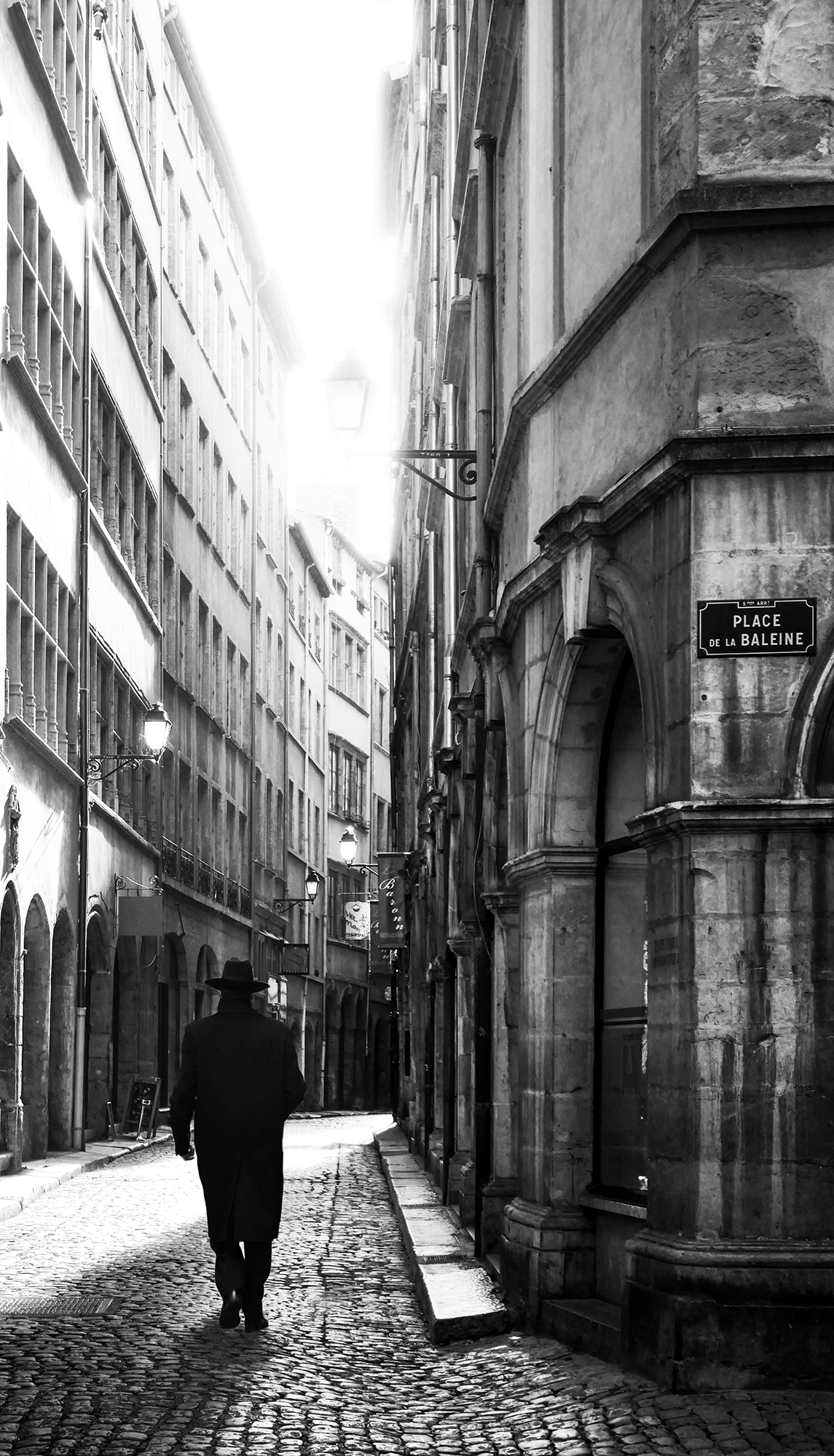 Lyon 136