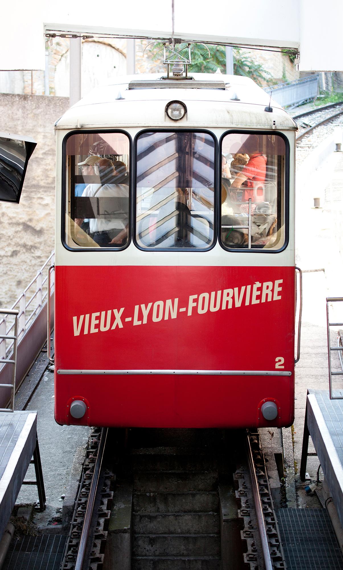 Lyon 48